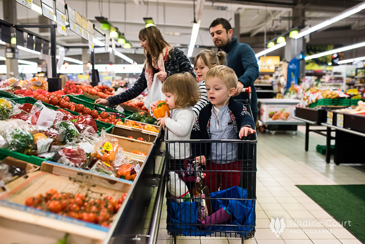 Faire les courses en famille - reportage du quotidien