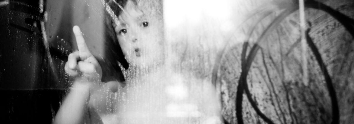 Photographier la toilette des enfants par Sybil Rondeau photographe à Nantes