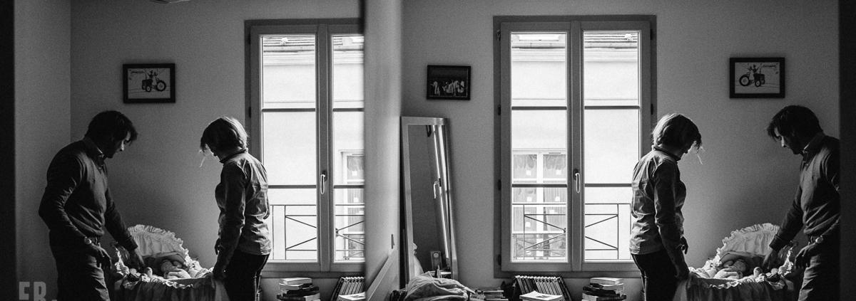 reportage de vie de famille à Paris Ernestine et sa famille